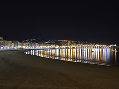 Donosti 0107 (Sebas Adrover) Tags: costa beach night canon lights luces noche coast spain playa panoramic highlights euskadi donostia reflejos laconcha pasvasco sansebastin g15