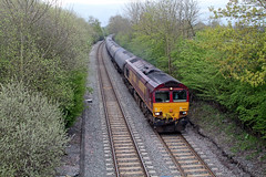66165 (marcus.45111) Tags: trees england train gm diesel unitedkingdom transport railway freight kingsbury tanks humber dbs stenson 2014 class66 ews 66165 freightonly moderntraction privatisedrailway