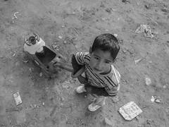 pequeño sabandija (quino para los amigos) Tags: poverty argentina kid buenosaires niño pobreza 20140425090318