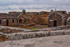 Vista hacia el interior del Fuerte San Miguel (meikai2010) Tags: uruguay fortaleza sanmiguel rocas rocha lquenes fuerte d3100