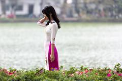 Photo Moment (Gigin - NoDigital) Tags: people woman plant nature water asia vietnam geography hanoi