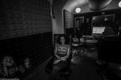Carol & Jota Mayuscula (32 de 35) (ISRAEL (BURMI)) Tags: blanco y negro estudio hiphop jota grabacion monocromtico mayuscula jotamayuscula israeldeleonardonovoa carolmenezes masgravesestudio