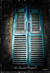 Les volets bleu (armandbrignoli) Tags: volet fentre window bleu maison couleur canon 5dsr