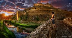 Amanecer en el Castillo de El Burgo de Osma (dleiva) Tags: sunset sky panorama espaa castle de landscape spain el panoramic soria len domingo castillo castilla sunraise leiva osma burgo dleiva