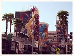 Vegas April 2016 268 (f l a m i n g o) Tags: vegas sign fremont april 5th 2016 19130 vegasapril2016