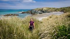 Howell's Point/Taramea (Kathrin & Stefan) Tags: ocean newzealand sky cloud beach nature grass rock bay outdoor wave southisland tasmansea riverton foveauxstrait oraka colacbay kathrinmarks raka