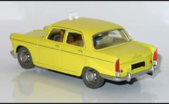 PEUGEOT 404 Taxi (1191) HACHETTE L1100875 (baffalie) Tags: auto car toys miniature voiture coche jouet diecast jeux