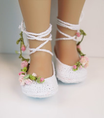 ~Roses Garden~ (Maria Kłopotowska) Tags: roses ballet shoes doll crochet slippers littledarling effner