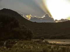 Sunshine out (Mariano Montes | HDsuperbikeVideos) Tags: sunset sol argentina rio atardecer photography puestadesol sierras fotografia crdoba tarde puestasdesol montaas traslasierra crdobaargentina sierrasdecrdoba valledetraslasierra atardecerenlassierras atardecerencordoba