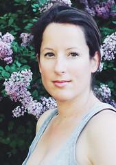 Photographer's selfportrait. Spring edition. (Justine VDH) Tags: woman selfportrait spring autoportrait femme lilac printemps lilas preset vsco egoportrait