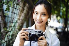 L9997834_M35F14A_Rabi_E200_S (OPTIK AXIS) Tags: camera leica portrait dof bokeh taiwan outoffocus 135  rabi rf leicacamera    leicam3      m9p m summiluxm11435asphe46