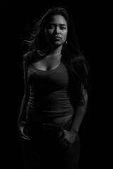 Paramount (JuanJoLayme) Tags: light bw blanco luz lima negro per modelo fondo paramount