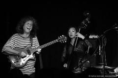 Pat Metheny: guitar / Linda Oh: bass (jazzfoto.at) Tags: wwwjazzfotoat wwwjazzitat jazzitsalzburg jazzitmusikclubsalzburg jazzitmusikclub jazzfoto jazzfotos jazzphoto jazzphotos markuslackinger jazzinsalzburg jazzclubsalzburg jazzkellersalzburg jazzclub jazzkeller jazzit2016 jazz jazzsalzburg jazzlive livejazz konzertfoto konzertfotos concertphoto concertphotos liveinconcert stagephoto salzburg salisburgo salzbourg salzburgo austria autriche blitzlos ohneblitz noflash withoutflash sonyalpha sonyalpha77ii alpha77ii sw dscrx100iii blackandwhite blackwhite noirblanc bianconero biancoenero blancoynegro