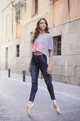 Fashion Ballerina (Pelayo Gonzlez Fotografa) Tags: madrid street portrait ballet woman female calle dance mujer ballerina shoes retrato danza dancer jeans denim pointe bailarina vaqueros marlenfuerte dancethistown