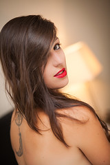 Elodie : Portrait : Canon 5d mkII : 85 mm 1.8 USM : tatoo girl (Benjamin Ballande) Tags: portrait girl canon 5d mm usm 18 tatoo 85 elodie mkii