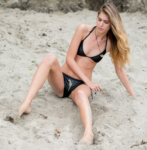 Nikon D800 E Photos of Sandy Blonde Bikini Swimsuit Model Goddess! Nikkor 70-200mm F/2.8 VR2 Lens