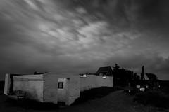 Mrup Kirke im Wind (AxelN) Tags: longexposure bw church clouds wind kirche wolken ruine sw dnemark skyer vind langebelichtung hjrring regionnordjylland