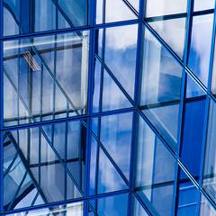 The blue monkey (fidgi) Tags: blue paris reflection architecture canon square bleu reflet carré cmwdblue canoneos7d