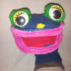 This is OccupyFrogs a level 2 sock puppet who wants to be your #Fedbook friend and mine your data. #PersonaManagement