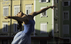 Dance (zilverbat.) Tags: city windows summer ballet woman sexy 50mm lights vakantie movement energy exposure theater shadows body expression character energie performance slovenia passion expressive piran elegant emotions act openair elegante optreden expressie passie concentratie danseres oksel emotie danceact expressief zilverbat