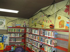 Halloween Decorations 2013 Exeter 006 (Tulare County Library) Tags: california autumn decorations fall halloween holidays libraries exeter holidaydecorations halloweendecorations publiclibraries 2013 tularecountylibrary exeterbranchlibrary