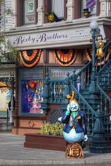 Ghosts in Main Street USA, Disneyland Paris [FR] (ta92310) Tags: street travel autumn usa paris france halloween mainstreet europe disneyland main mickey ghosts 77 hdr idf topaz photomatix 2013 disneylandparis