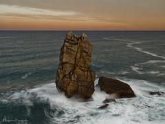 Los Urros (J.Izaguirre) Tags: sea mar olympus zuiko cantabria urros costaquebrada losurros