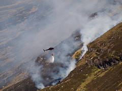 04_05_2011_0404 (andysuttonphotography) Tags: wild mountain water fire scotland highlands heather smoke flames scottish dry aerial smoking helicopter burning burnt cul blaze wilderness firefighting mor wildfire heatwave extinguish extinguishing blackened assynt drenching dousing