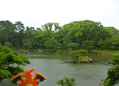 Charizard in Hiroshima, Hiroshima 3 (Shukkei-en Garden) (Kasadera) Tags: toys hiroshima figure pokemon pokmon  charizard   glurak  shukkeiengarden pokemonkids   dracaufeu