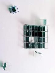 Toccata avec cadre bleu (2006 ), plexy, boulons, peinture; il y a 4 satellites. (emmanuelviard75) Tags: plexy boulons
