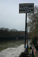 Divieto di balneazione (Noemi Risi) Tags: rome roma fiume tevere divieto balneazione