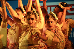 Mohini Attam dancers ([s e l v i n]) Tags: india dance concert expressions culture bombay mumbai musicfestival indiandance artfestival culturaldance indianculture mohiniyattam kalaghodafestival ©selvin keraladance danceexpressions kalaghodafestival2014 nrityasamagamam mohiniyattamdancer