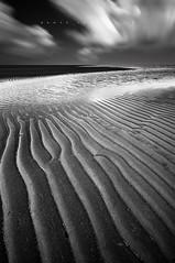 Textures (Dante Laurini Jr) Tags: brazil beach brasil night textures le ripples pernambuco vision:mountain=0641 pbbarravelha