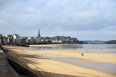 Saint-Malo (dbrothier) Tags: saintmalo bzh breizh canon bretagne eos 6d canonef100300mmf4556usm 100v10f canonfrance seaside flickr13 canon6d