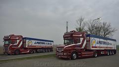 B - J. Peeters & Zn Scania T 580 TL & Scania R09 560 TL Streamline (BonsaiTruck) Tags: camion trucks torpedo scania streamline lorries lkw peeters aardappelen r13 topline r09 pomuni