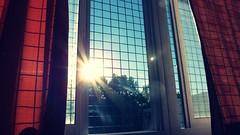222 (Fiorella C.) Tags: blue light red sky sun verde green luz sol window colors ventana rojo bokeh colores cielo curtains cortinas celeste fiorellacabrera fundamentosdelailuminacionnaturali