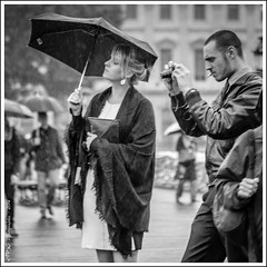 "Photo de Rue - Parapluie • <a style=""font-size:0.8em;"" href=""http://www.flickr.com/photos/60453141@N03/16385235249/"" target=""_blank"">View on Flickr</a>"