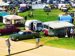 Vintage Caravan Grand Parade (RS 1990) Tags: 21st saturday adelaide february southaustralia showgrounds wayville 2015