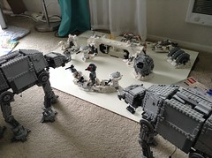 Lego Hoth UCS set rocks! (Johnny-boi) Tags: snow rebel lego assault walker solo cannon imperial base atat legostarwars speeder hoth ion ucs taun 75098