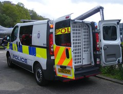 4175 - BTP - LX62 CFP - 242 (2) (Call the Cops 999) Tags: uk 2 england holiday museum day open britain united great transport may cell police bank kingdom vehicles 101 gb vehicle service british van monday emergency 112 patrol services vauxhall 999 brooklands btp 2016 cfp vivaro lx62