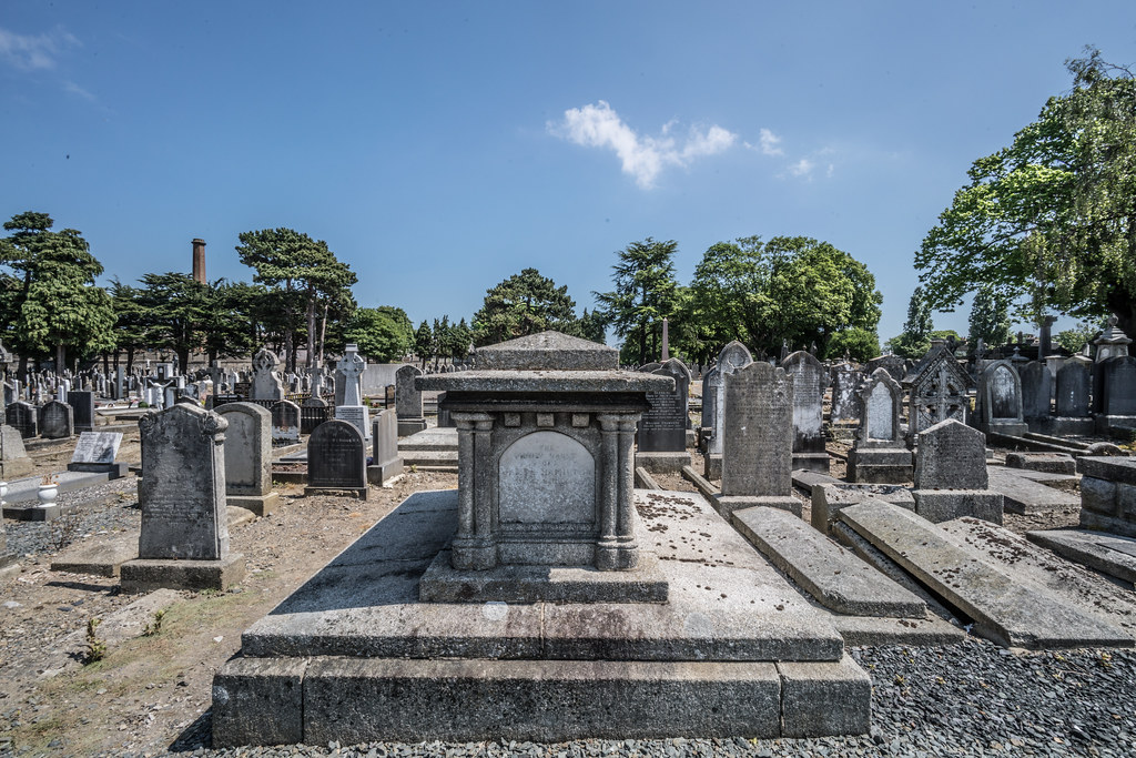 MOUNT JEROME CEMETERY AND CREMATORIUM IN HAROLD'S CROSS [SONY A7RM2 WITH VOIGTLANDER 15mm LENS]-117002