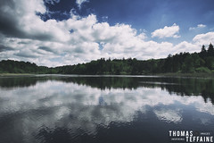 Lac du Merle (Thomas Teffaine Photographie) Tags: wild sky panorama cloud sun lake france water canon photo reflex raw pano picture lac wideangle 5d dslr paysage tarn exterieur