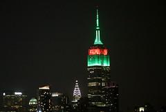 Green and red Empire State Building (apardavila) Tags: nyc newyorkcity skyline skyscraper manhattan empirestatebuilding chryslerbuilding hoboken