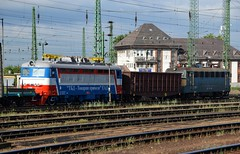 2016_Ferencvros_2060 (emzepe) Tags: new railroad station electric yard train private hungary budapest transport engine railway zug bahnhof loco class company bulgaria series locomotive railyard ungarn freight 499 242 bulgarian tbd classification 2016 1067 lokomotiv 431 hongrie 067 koda nyr elektrische szili ead 44000  jnius vonat v43 lctrique plyaudvar vast ferencvros ferencvrosi 49902  mozdony s499  sorozat lloms vastlloms bolgr plech   villanymozdony magnvast sorozat plyaszm s49902 68e2 prevozi 44083 tovarni