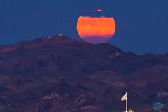 0620 IMG_6383 (JRmanNn) Tags: lasvegas sunsetstation usflag farmersalmanac rareoccasion strawberryfullmoon whitneymesatrails