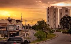 Horizon Gold (Denny.David) Tags: city cidade sun hot yellow brasil gold day god horizon pm dias diario taubat calor dirio