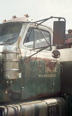 Vintage International with Holmes 750 (matthew.vortex) Tags: truck vintage minolta antique kentucky williamstown fujifilm himatic fujicolor200 tow wrecker 7sii grantcounty