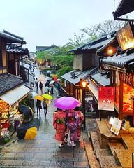 Higashiyama Philosopher's Path #kyoto #higashiyama #japan #throwback #htc (Leong_CL) Tags: square squareformat clarendon iphoneography instagramapp uploaded:by=instagram