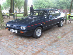 Ford Capri 2.8 Injection Special C207HVW (Andrew 2.8i) Tags: ford capri 28 injection special v6 cologne classic sports car coupe hatch hatchback queen square bristol meet show blue all types transport worldcars