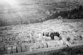 Jewish burial on Mount of Olives